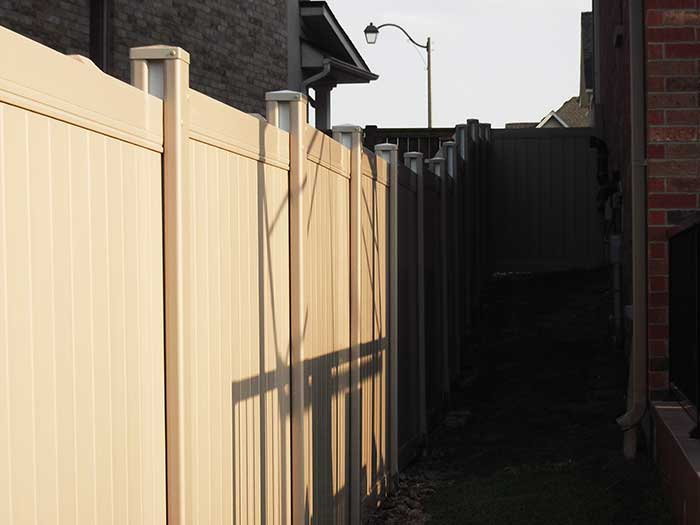4X4 Vinyl-Fencing-Installation by Wholesalefence.ca in-Markhmam-Ontario