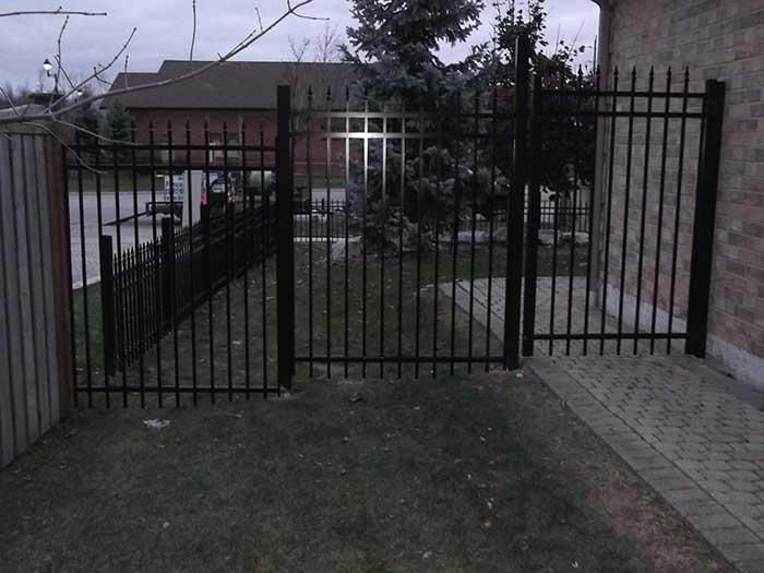Aluminum-Fencing-Installation-in-Aurora by wholesalefence.ca