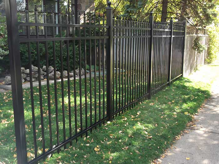 Aluminum-Fencing-Installation-in-Brampton-Ontario by wholesalefence.ca