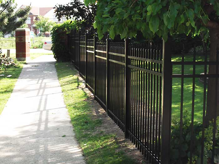 Aluminum-Fencing-Installed-in-Etobicoke-Ontario by wholesalefence.ca