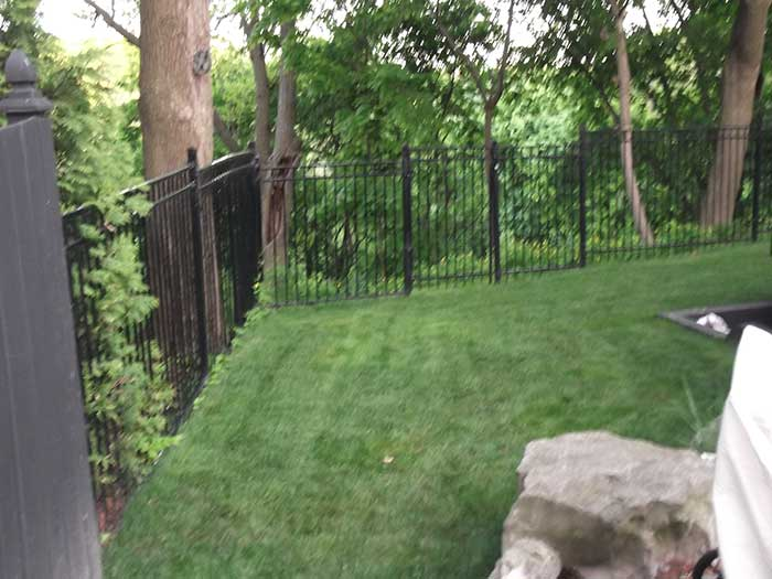 Aluminum-Fencing-for-Backyard-in-New-Market by wholesalefence.ca