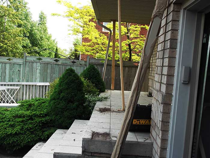 Aluminum-&-Glass-Railing-and-Aluminum-Coulmns-Installation-in-Hamilton by Fence Direct