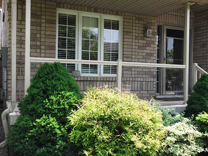 Aluminum-&-Glass-Railings-Installation-in-New-Home-in-Hamilton by Fence Direct