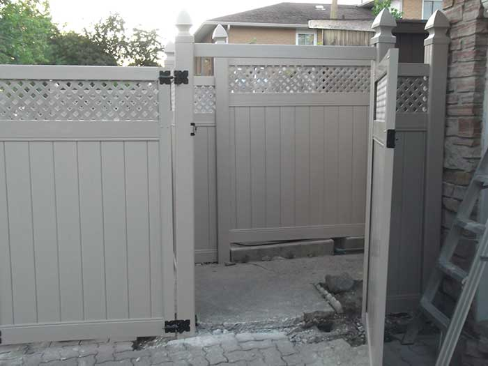 Full-Privacy-Vinyl-Fencing-Gate-with-Latice-Installation-in-New-Market by Fence Direct