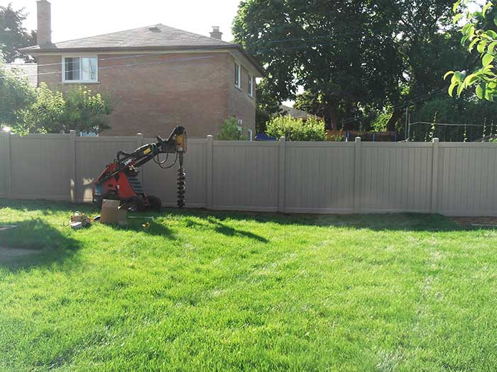 Full-Privacy-Vinyl-Fencing-Installation---New-Market by Fence Direct