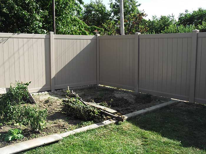 Full-Privacy-Vinyl-Fencing-Installation-in-Etobicoke by Fence Direct