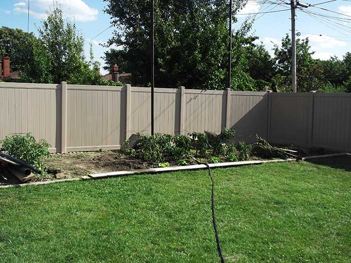 Full-Privacy-Vinyl-Fencing-Installed-in-Etobicoke-Ontario by wholesalefence.ca
