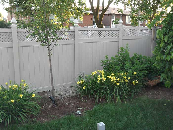 Full-Privacy-Vinyl-Fencing-with-Latice-Installation---Richmond-Hill-Ontario by wholesalefence.ca