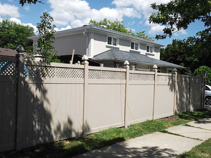 Full-Privacy-Vinyl-Fencing-with-Latice-Installation-in-Richmond-Hill---Street-View by wholesalefence.ca