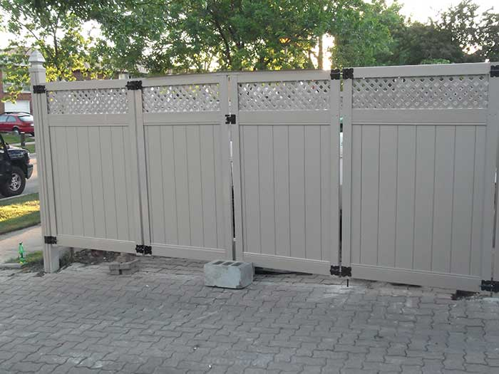 Full-Privacy-Vinyl-Fencing-with-LaticeInstallation-in-New-Market by wholesalefence.ca