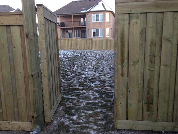 Full Privacy Wood Fence installed by Wholesalefence.ca