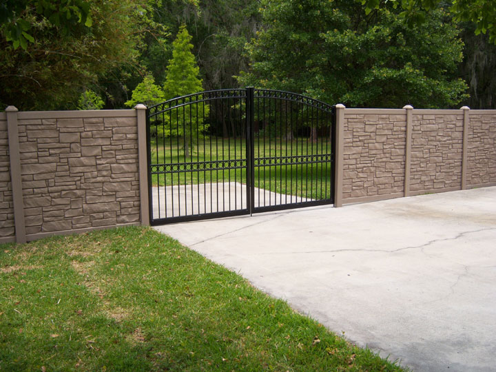 Residential Simulated Stone Vinyl Fencing with Aluminum Gate By wholesalefence.ca