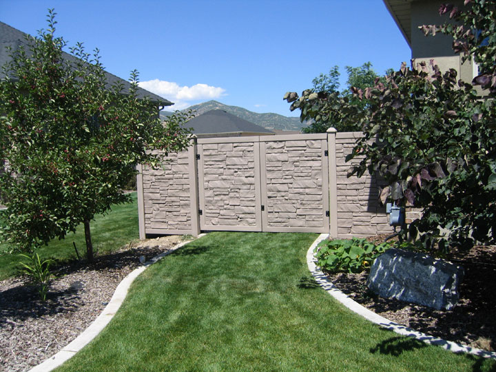 Simulated Stone Residential Vinyl Fencing Gates By wholesalefence.ca