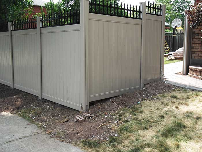 Vinyl-Fencing-Gate-with-Aluminum-Pickets-Installation-in-Thornhill by wholesalefence.ca
