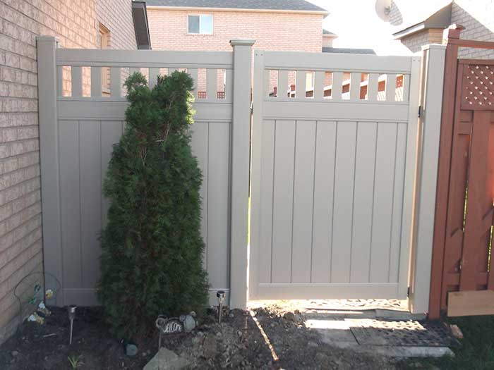 Vinyl-Fencing-Gate with Latice Installation-in-Brampton by wholesalefence.ca