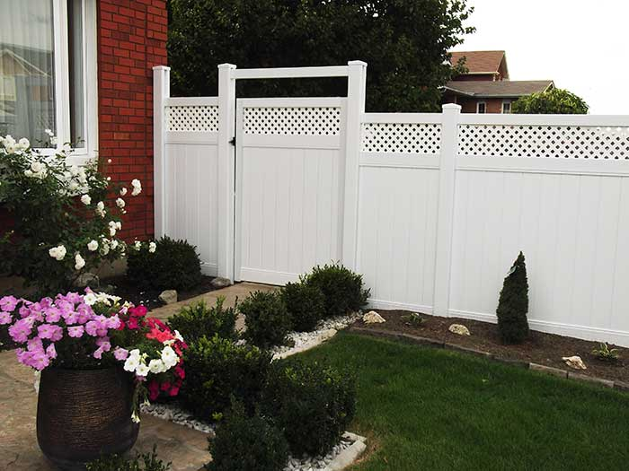 Vinyl-Fencing-with-Latice-Installation-in-Scarbourough by wholesalefence.ca