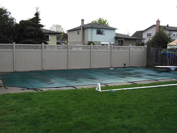 Vinyl-Fencing with Latice Installed-in-private-home-in-Markham by wholesalefence.ca