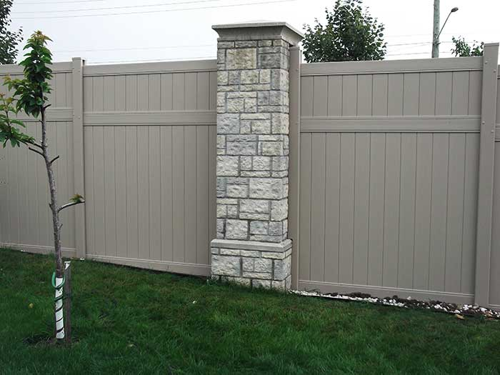 Vinyl-fencing-Installation-in-Oshawa-Ontario by wholesalefence.ca